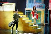 Nam Cường hóa nhạc sĩ nghèo van xin tình yêu trên sân khấu nhạc bolero