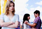 Cái kết bất ngờ khi chồng thuê thám tử theo dõi vợ
