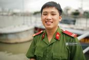 Gặp cậu lính cứu hoả suốt đêm chữa cháy ở cảng Sài Gòn: 5h30 sáng mình rời hiện trường để kịp 7h vào thi Lý