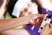 Bác sĩ Nhi chỉ 2 sai lầm khi hạ sốt và 4 ghi nhớ khi dùng thuốc hạ sốt cho trẻ