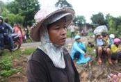 Nổ bom thảm khốc ở Khánh Hòa: Nước mắt hòa nước mưa đưa tiễn