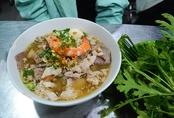 Quán hủ tiếu Nam Vang bán 24h không nghỉ ở Sài Gòn