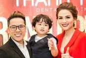 Chồng con đến ủng hộ Hoa hậu Diễm Hương lần thứ hai kinh doanh
