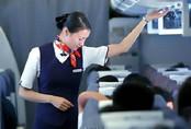 Nữ tiếp viên trưởng bắt trộm trên máy bay