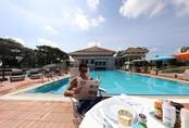 Cuộc sống xa xỉ của hoàng tử 9X Brunei