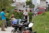 Thi thể bé trai còn dây rốn tại bãi đất trống ở Sài Gòn