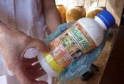 Nghi án bé trai 11 tuổi đổ thuốc sâu vào bình nước định đầu độc cả nhà cậu