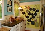 """Nhanh tay sử dụng thiết kế bảng đục lỗ đang cực """"hot"""" để lưu trữ đồ gia dụng siêu gọn cho nhà bếp"""