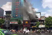 Cháy nghi ngút tại cửa hàng ăn uống trên phố Kim Mã