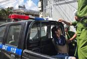 Người đàn ông ngáo đá dùng dao đâm cảnh sát 113 trọng thương