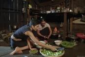 Mẹ Hoa hậu H'Hen Niê cấm con gái yêu trong 2 năm nhiệm kỳ