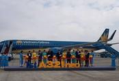 Vietnam Airlines đón nhận máy bay mới tại Nội Bài Kinh tế