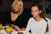 Đam mê hưởng thụ xa hoa, mẹ nhẫn tâm ép con gái 13 tuổi bán trinh tiết cho đại gia với giá 500 triệu