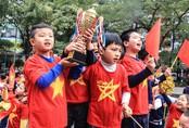 """Hàng nghìn học sinh """"tiếp lửa"""" ĐT Việt Nam trước trận chung kết AFF Cup"""