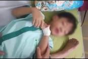 """Lạ lùng bé trai 5 tuổi chết thương tâm sau 1 tháng bị chó cắn nhưng kết quả """"âm tính virus dại"""""""