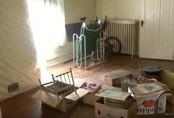Người dì qua đời, cháu trai dọn dẹp ngôi nhà được thừa kế và bất ngờ tìm thấy báu vật trên gác xép