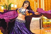 Nữ lao công 52 tuổi thành quán quân cuộc thi múa bụng