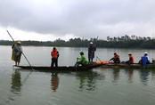 Tìm người đàn ông nghi nhảy sông Lam tự vẫn