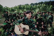 Thú vị bộ ảnh kỷ yếu mang màu xanh áo lính của học sinh Nghệ An