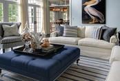 Mẹo hay trang trí với ghế đệm dài siêu to giúp ngôi nhà thêm khang trang, sáng sủa