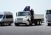 Ế nặng hàng vạn chiếc: Bán giá chát, buôn ô tô nguy cơ phá sản