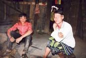 """Những đứa trẻ bị """"giời hành"""" ở Hà Giang"""