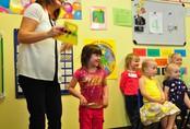 """Cách dạy con """"lạ đời"""" của cha mẹ các nước, ai nghe cũng phải bất ngờ"""