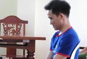 Bị cáo giết vợ khóc nức nở khi chờ tòa tuyên án