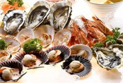 Tử vong sau 3 ngày ăn hải sản sống: Bác sĩ cảnh báo những hệ lụy nếu ăn uống thiếu cẩn thận