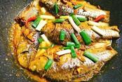 Vét sạch nồi cơm với cá kho nghệ thơm nức mũi