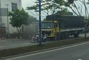 Bị CSGT chặn đầu xe, tài xế xe tải húc đổ xe cảnh sát rồi bỏ trốn
