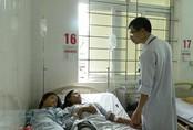 Ăn nấm độc, bốn người trong gia đình nhập viện