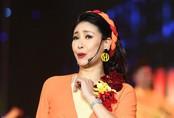 7 Hoa hậu Việt Nam khoe giọng hát trên sân khấu