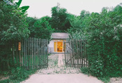 Với 33 triệu đồng, hai chàng trai trẻ đã tự tay xây ngôi nhà nhỏ đẹp lãng mạn giữa rừng tre trúc