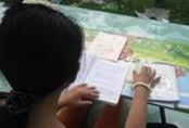 Bé gái 10 tuổi lên mạng kể bị cha ruột xâm hại