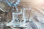 Mùa đông nên uống bao nhiêu nước mới đủ?