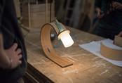 Đèn tái chế có thiết kế hiện đại tối giản đẹp như một giấc mơ