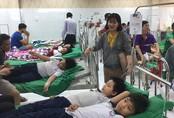 Hàng chục học sinh tiểu học ở Bình Dương cấp cứu nghi ngộ độc