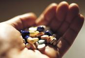 Uống thuốc cảm không đúng cách, cô gái trẻ nhập viện vì suy gan