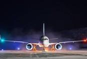 Tại sao đèn ở 2 đầu cánh máy bay có màu khác nhau