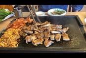 Thích ăn dưa muối, thịt hun khói, thịt nướng... rước ung thư dạ dày