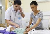 Quảng Ninh: Bé 3 tuổi bị mảnh kim loại đâm xuyên hộp sọ