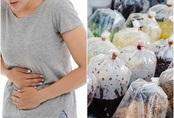 Mẹ ung thư phụ khoa, 2 con nhập viện vì thường xuyên dùng túi nilon đựng đồ ăn