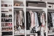 9 ý tưởng tổ chức tủ quần áo để giúp bạn không phải đau đầu mỗi khi muốn mua 1 món đồ mới mà lo không có chỗ cất