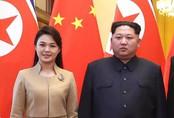 """Phu nhân ông Kim Jong-un: """"Cơn sốt thời trang"""" tại Triều Tiên"""