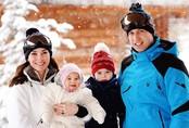 Vợ chồng Kate đi trượt tuyết giữa lúc Meghan mở tiệc