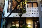 Ngôi nhà 50m² trong hẻm nhỏ chỉ nhìn đã thấy an yên ở quận 1, Sài Gòn
