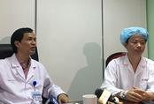 """Người đàn ông hát """"Quảng Bình quê ta ơi"""" khi được bác sĩ mổ lấy khối u não"""