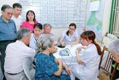 Chuyên gia dân số nói gì về việc Hà Nội dự định hỗ trợ người cao tuổi có con một bề là gái?