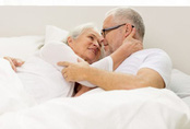 Cụ ông 81 tuổi vào nhà nghỉ bị đột tử: Quý ông lớn tuổi 'yêu' sao cho an toàn?